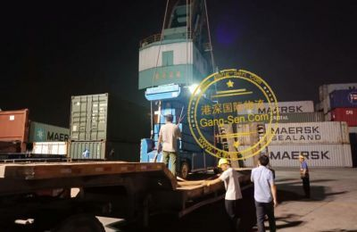 剪刀式二手高空作业平台车进口上海的流程手续全知道